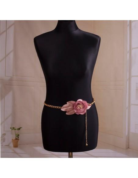 modelo cinturón de fiesta Vera en color rosa